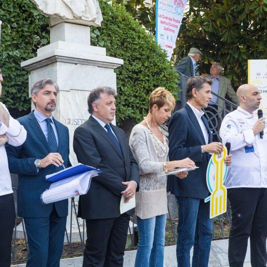http://www.cibonostrum.eu/wp-content/uploads/2017/06/inaugurazione-cibonostrum-32_BZ-540x540.jpg
