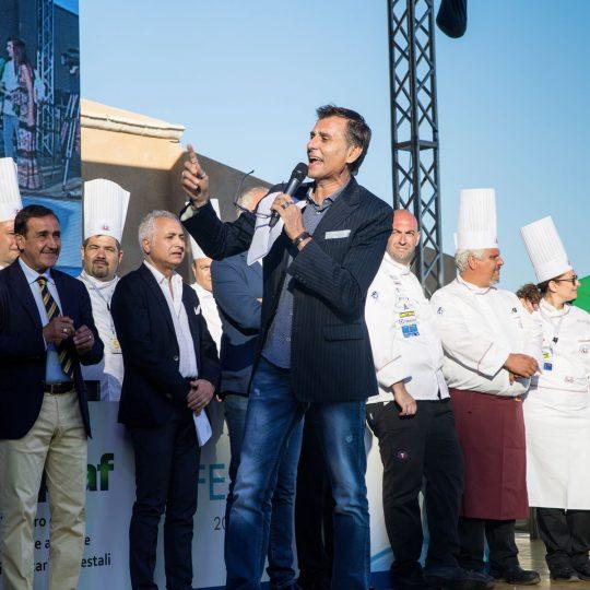 http://www.cibonostrum.eu/wp-content/uploads/2017/06/taormina-cooking-fest-2017-119_BZ-540x540.jpg