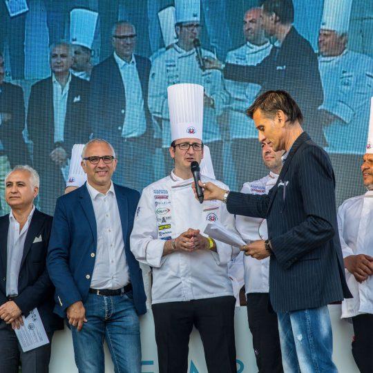 http://www.cibonostrum.eu/wp-content/uploads/2017/06/taormina-cooking-fest-2017-123_BZ-540x540.jpg