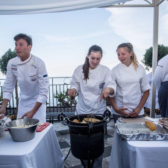 http://www.cibonostrum.eu/wp-content/uploads/2017/06/taormina-cooking-fest-2017-134_BZ-540x540.jpg