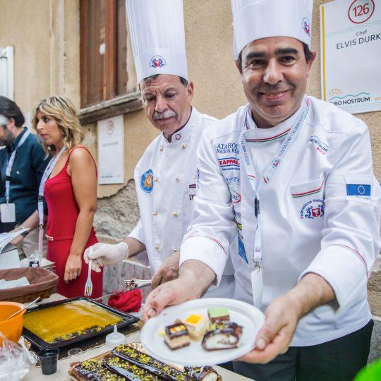 http://www.cibonostrum.eu/wp-content/uploads/2017/06/taormina-cooking-fest-2017-188_BZ-540x540.jpg
