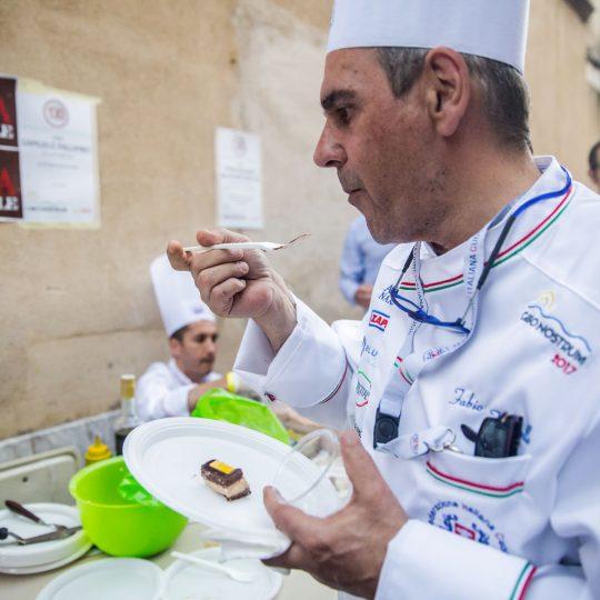 http://www.cibonostrum.eu/wp-content/uploads/2017/06/taormina-cooking-fest-2017-189_BZ-540x540.jpg