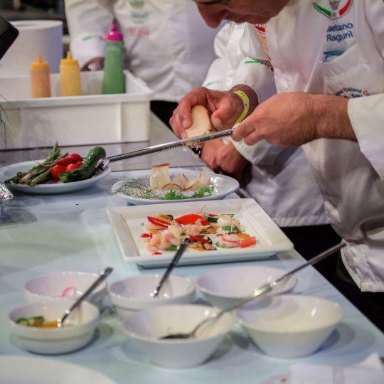 http://www.cibonostrum.eu/wp-content/uploads/2017/06/taormina-cooking-fest-2017-239_BZ-540x540.jpg