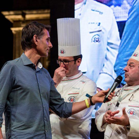 http://www.cibonostrum.eu/wp-content/uploads/2017/06/taormina-cooking-fest-2017-243_BZ-540x540.jpg