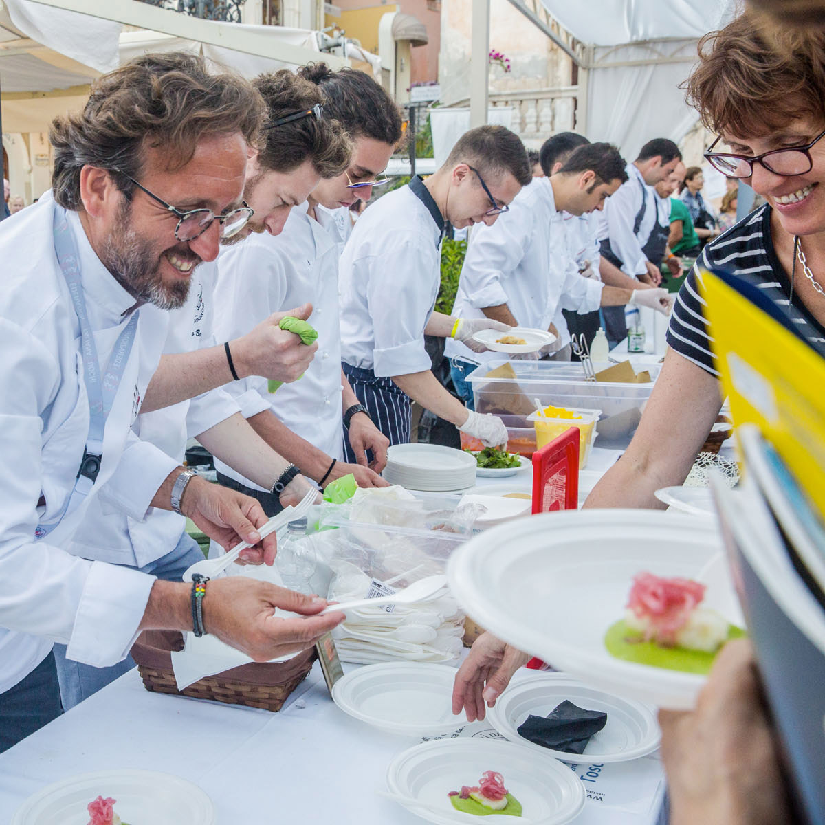 http://www.cibonostrum.eu/wp-content/uploads/2017/06/top-taormina-cooking-fest-gallery-thumb.jpg
